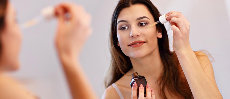 Gesichtsserum: hochkonzentrierte Pflege für das Gesicht